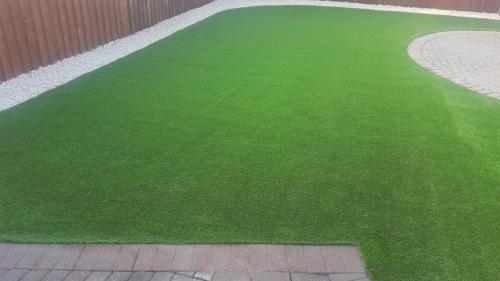 14. Artificial grass with Cotswold shillies