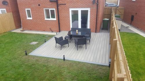 23. Antique deck with Light grey edging