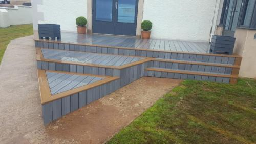 37. Light grey deck with teak edging