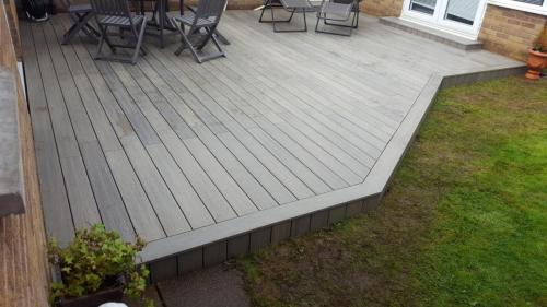 45. Light grey deck